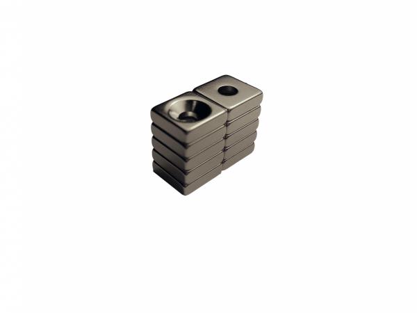 MAGNES NEODYMOWY MPŁ 10 x 10 x 3 N45 1D(7x3,5) N45